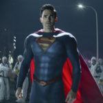 A Superman és Lois showrunnere a pilotban feltűnt titokzatos gonosztevőről beszélt